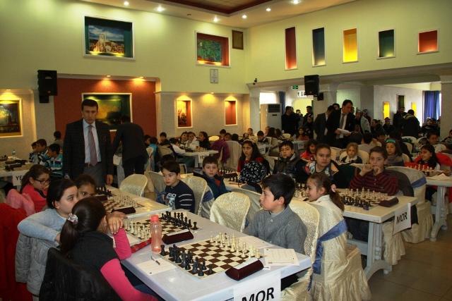 Çubuk'ta Küçükler ve Yıldızlar Satranç Takım Turnuvası