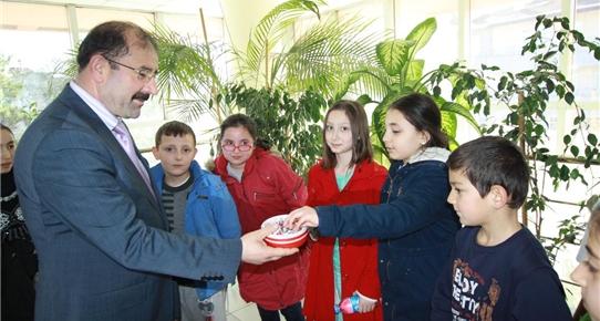 Çubuk'ta öğrenciler vergi dairesini ziyaret etti