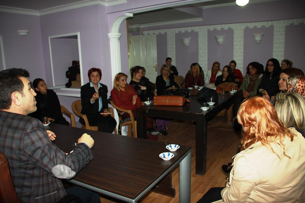 Kent Konseyi Başkanı Tekaüt, Kadın Meclisi Üyeleriyle Bir Araya Geldi