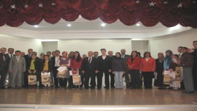 Çubuk'ta Şiir Okuma Yarışması Düzenlendi