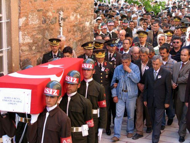 Şehit Yakınlarından PKKya Kınama