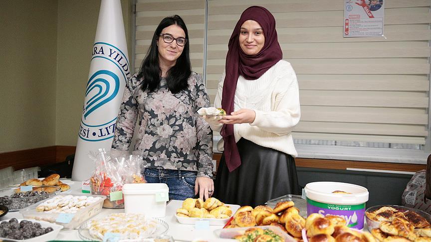 Öğrenciler Haleplilere yardım için kermes düzenledi