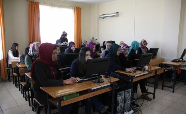 Başkan Acehan İŞKUR Kurslarını Ziyaret Etti