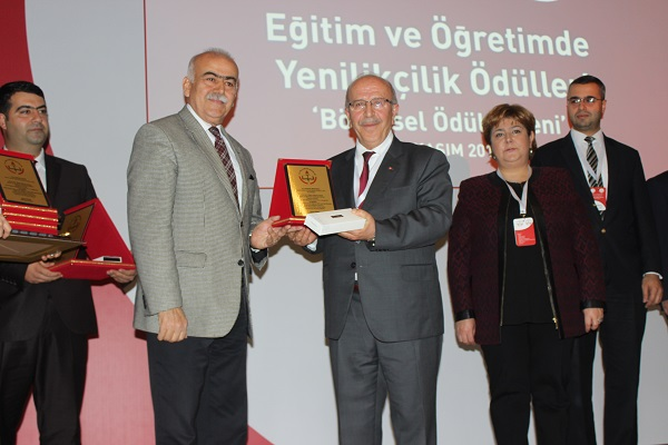 MEB'DEN 'ÇUBUK LİSESİ'NE PROJE ÖDÜLÜ...