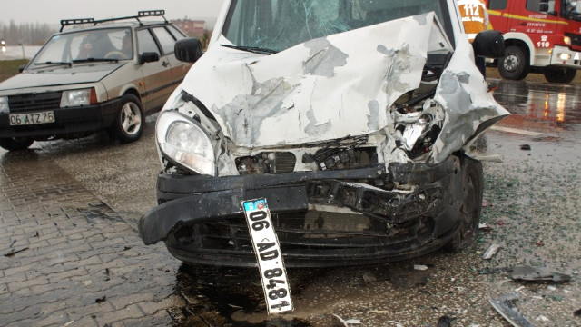 Çubuk'ta Zincirleme Kaza: 4 Yaralı