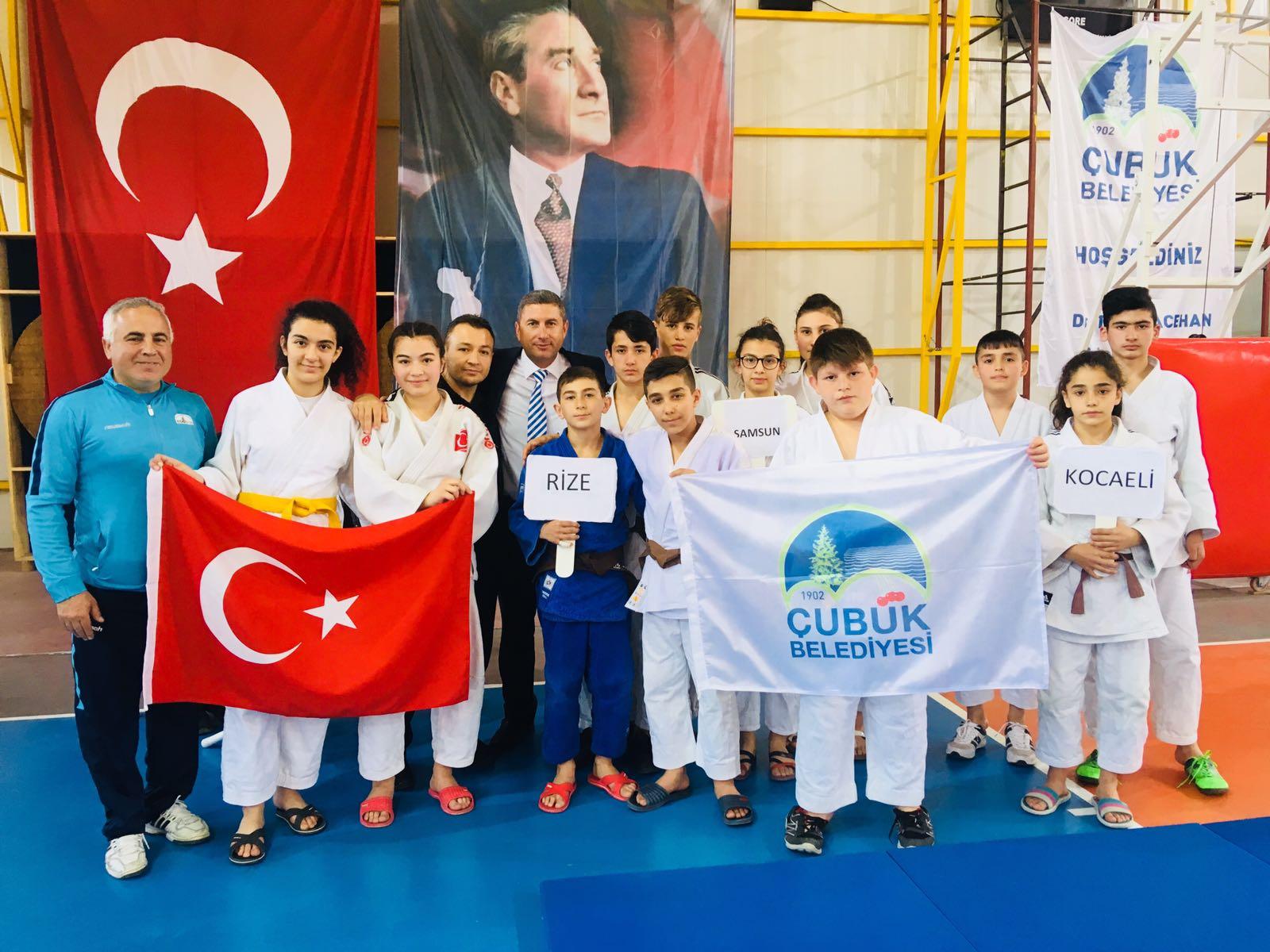 Çubuk'ta Judo Şampiyonası Yapıldı