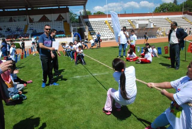'Geleneksel Çocuk Oyunları Yarışması'
