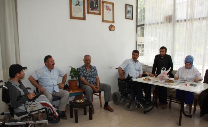 Acehan'dan Engelliler Derneğine Ziyaret