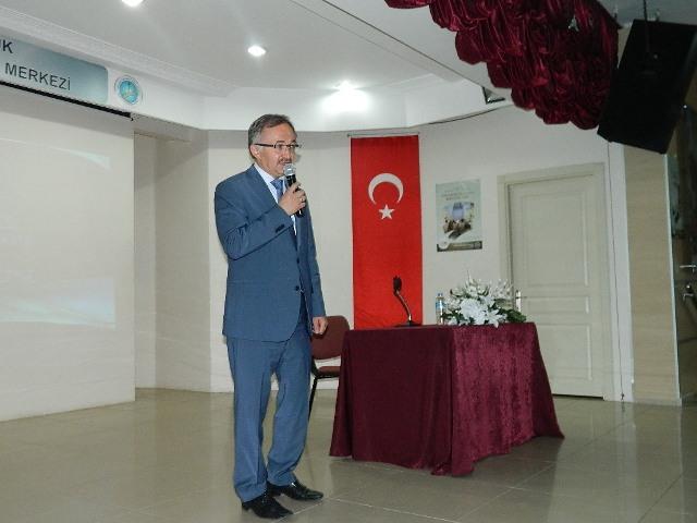 """""""DİN HİZMETİNE ADANMIŞ ÖMÜRLER"""" KONFERANSI..."""