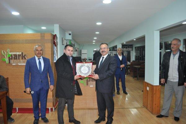 """İSTİŞARE HEYETİ'NDEN BAŞKAN'A """"VEDA YEMEĞİ""""..."""