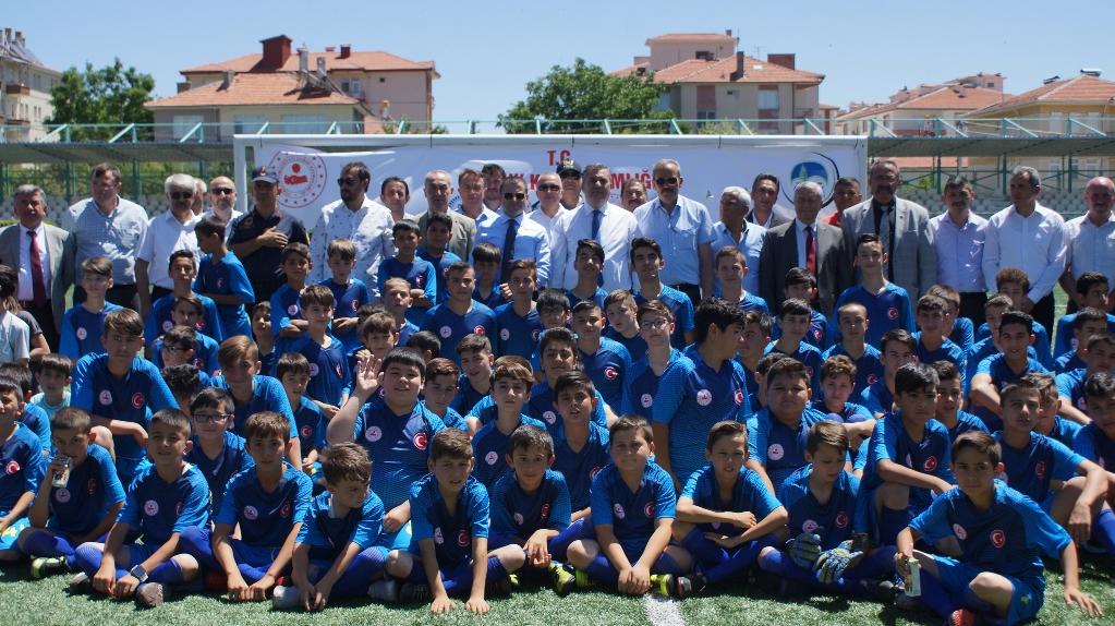 Çubuk'ta 7 Bin Genç Yaz Okuluna Başladı