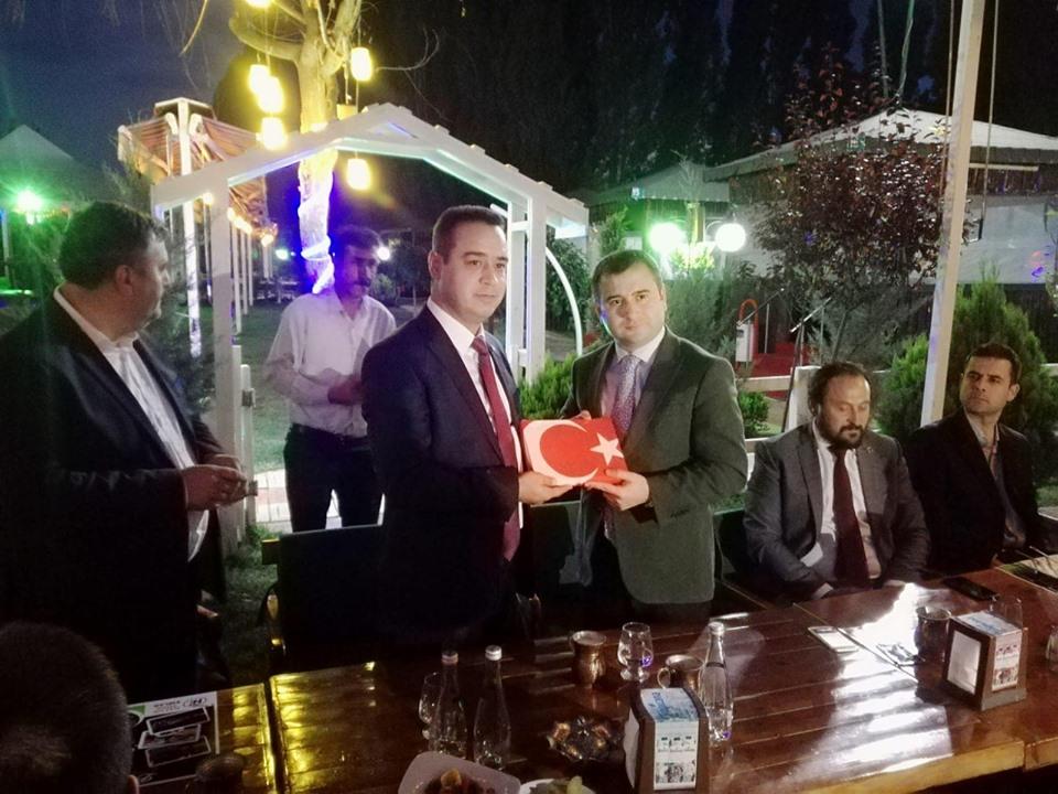 ÇUBUK ŞOFÖRLER ODASI'NDAN İLÇE KAYMAKAMI SEZER'E VEDA YEMEĞİ...