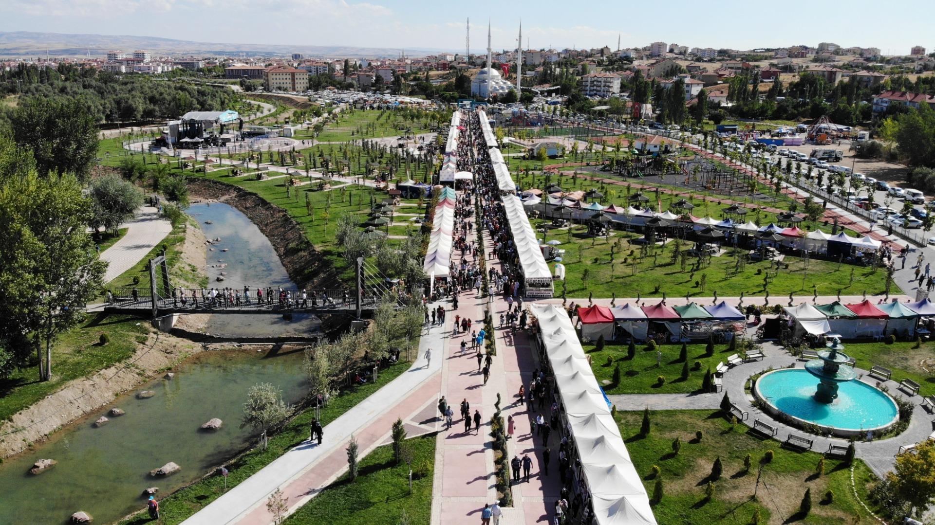 Uluslararası Çubuk Turşu Ve Kültür Festivaline Rektörden Ziyaret