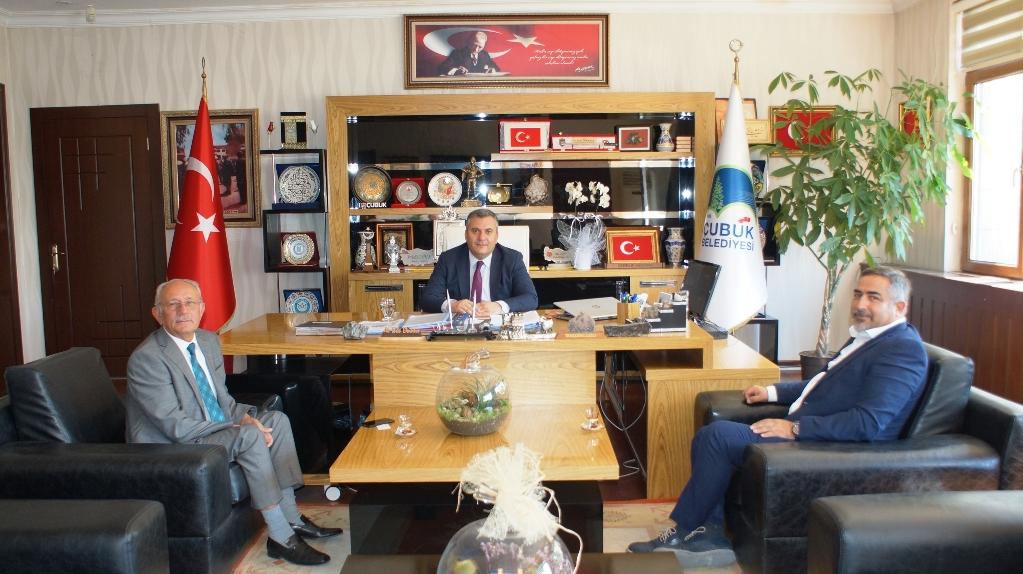 Başkan Demirbaş yatırımcıları makamında kabul etti