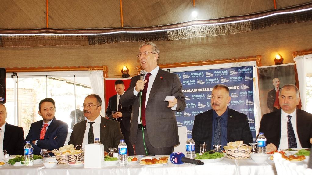 Büyükşehir Belediye Başkanı Yavaş, Çubuk'ta ziyaretlerde bulundu