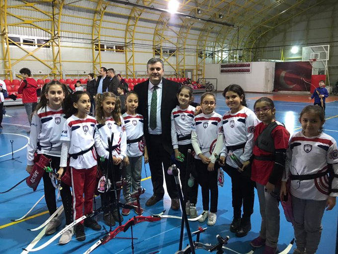 Çubuk Belediye Başkanı Demirbaş, Genç Sporcuları Ziyaret Etti