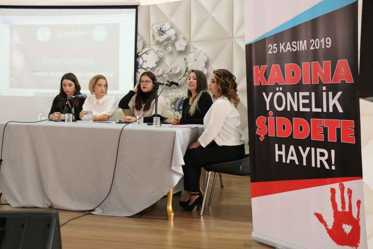 """AYBÜ""""de """"Kadına Şiddete Hayır Öğrenci Kongresi"""" gerçekleştirildi"""
