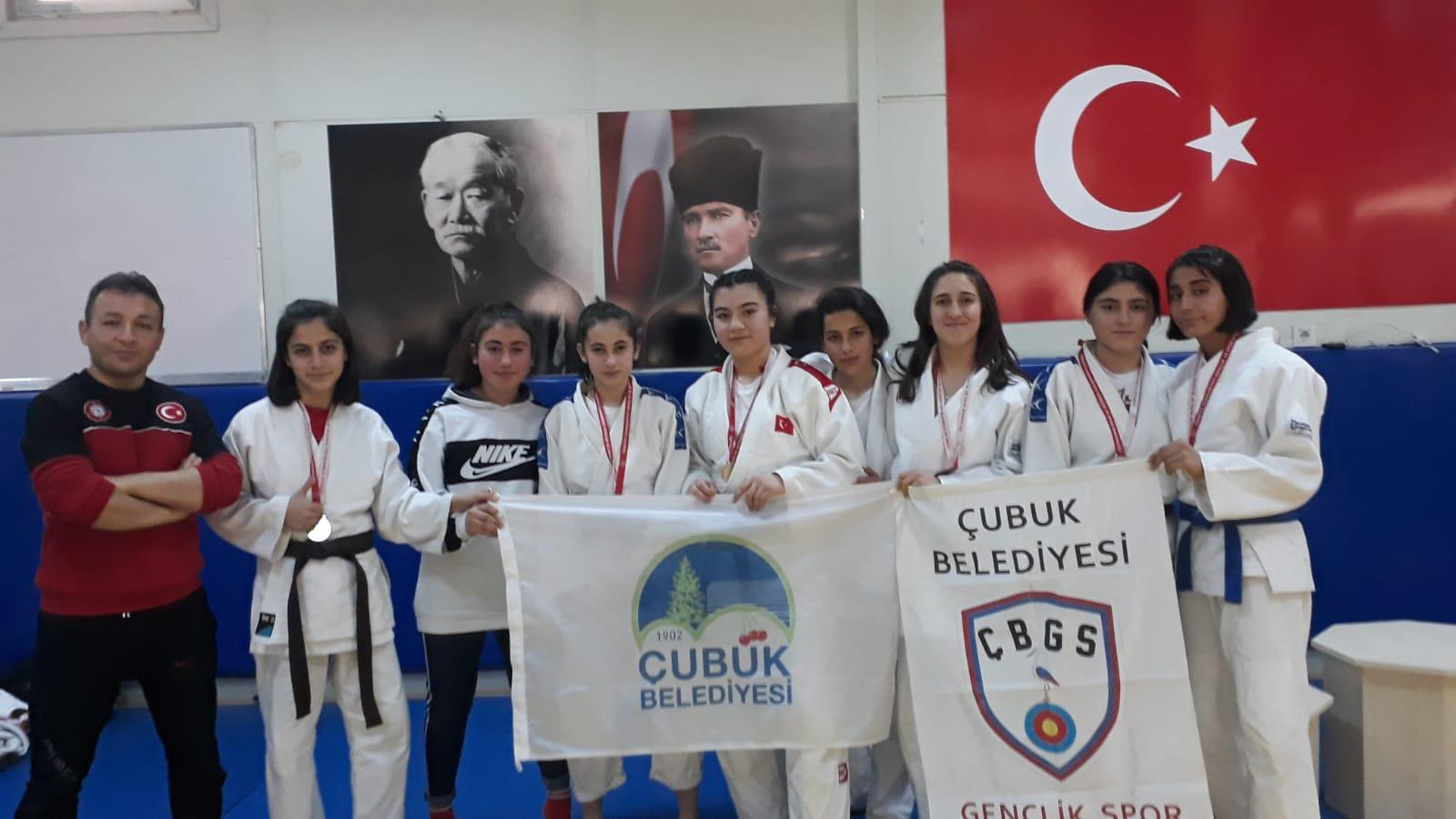 Çubuklu Judoculardan 12 Madalya