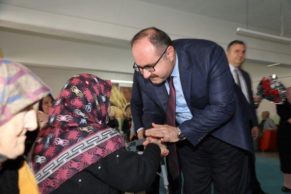 Çubuk Kaymakamı Keleş ve Belediye Başkanı Demirbaş'dan ADEM ve huzurevine ziyaret