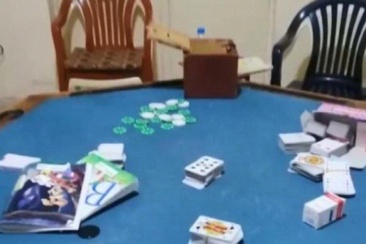 Kumar oynarken yakalananlara koronavirüs tedbirlerine uymamaktan da ceza kesildi