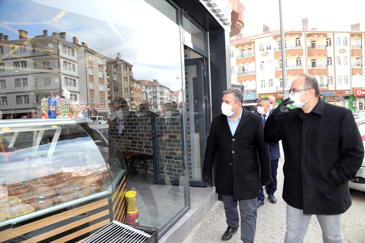 Çubuk'ta Vatandaşlara 'Maskesiz Çıkma' Çağrısı