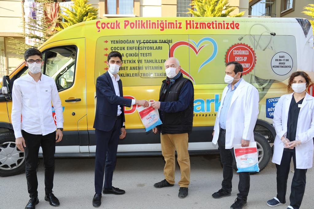 DevaPark Hastanesinden Ücretsiz Maske ve Dezenfektan