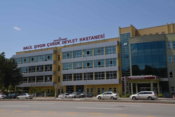 Çubuk'ta Kovid-19 tedavisi tamamlanan hastalar taburcu edildi