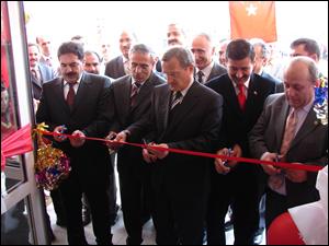 Yeni okullar açıldı