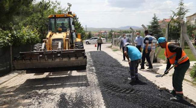 Çubuk'ta asfalt çalışmalarına başlandı
