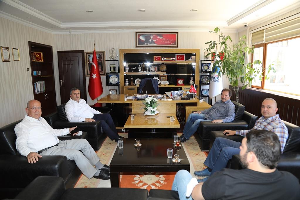 Mehmet Yiğiner'den Başkan Demirbaş'a ziyaret