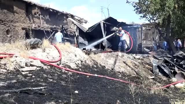 Çubuk'ta konteyner evdeki yangın, itfaiye ekiplerince söndürüldü