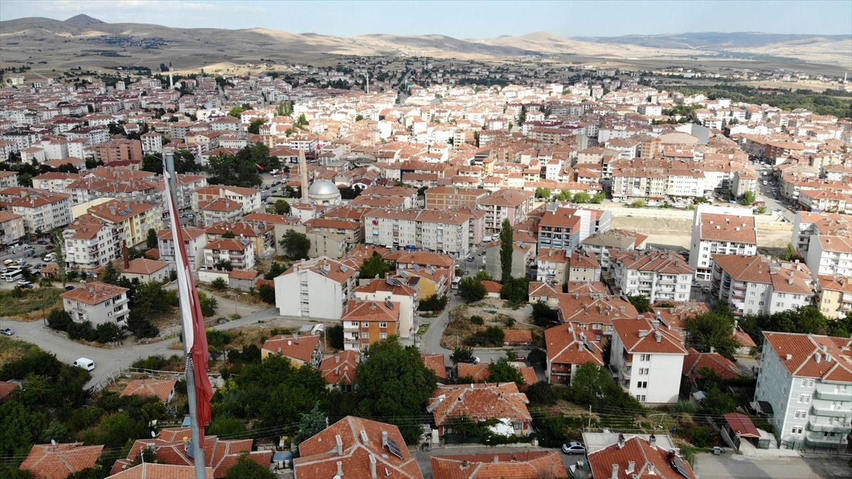 İstanbul'da Beykoz, Ankara'da Çubuk ve İzmir'de Menderes en fazla değer kazanan ilçeler oldu..