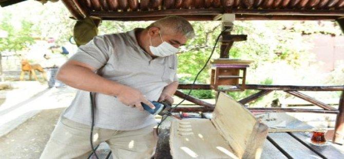 Başkentte Atık Ağaçlar Sanat Eserine Dönüşüyor