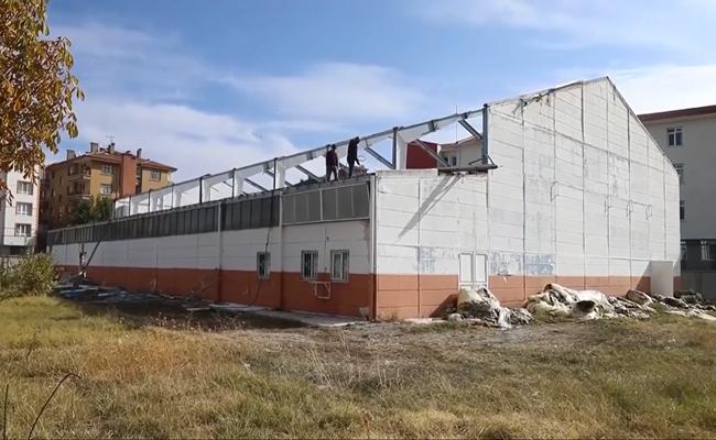 42 yıllık Spor Salonu Yıkılıyor