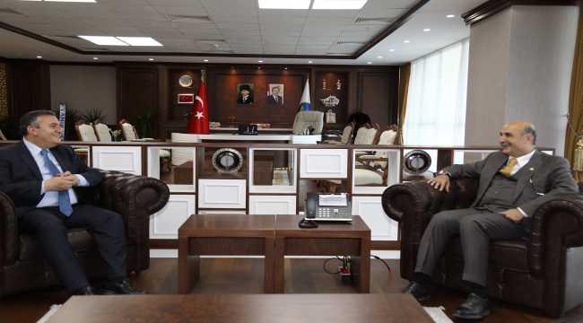 AK Parti Batman Milletvekili Özdemir'den Çubuk Belediye Başkanı Demirbaş'a ziyaret
