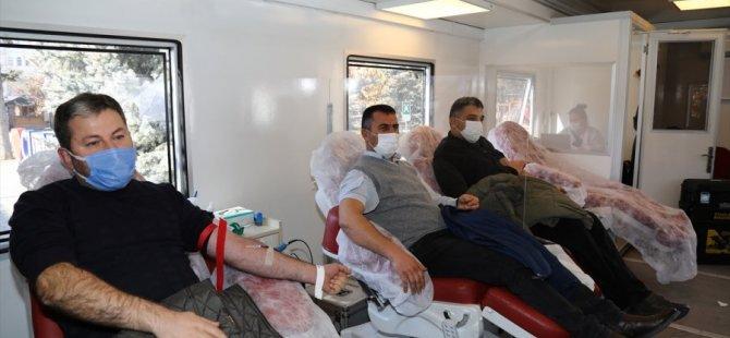 Çubuk'ta Vatandaşlar Kan Bağışı Kampanyasına İlgi Gösterdi