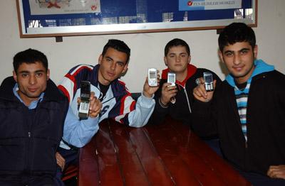 Türkler cep telefonu çılgını!