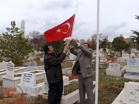 Şehitlerimizin Bayrakları Yenilendi