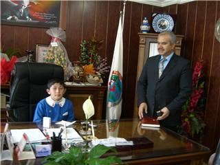 23 Nisan Çocukları Başkan Koltuğuna Oturdu