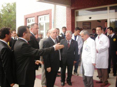 Ankara Valisi Yaralıları ziyaret etti