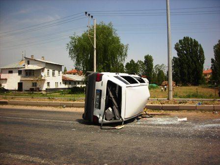 Sünlü Yolunda Kaza 3 yaralı