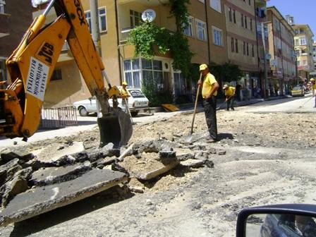 Büyükşehir Çubukta Asfalt Çalışmalarına hız verdi