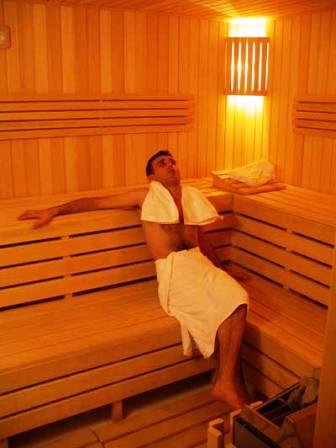 Saunada15 dakikadan fazla kalmak kalp krizini tetikliyor