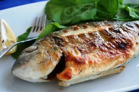 Balıkları da iyi pişirmeden yemeyin
