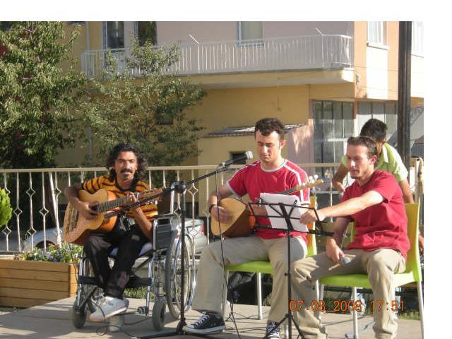 Grup ŞAVKI ' dan muhteşem konser..