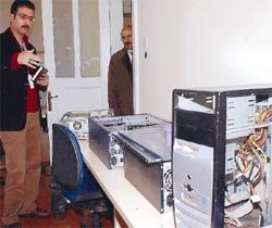 Çubukun bilgisayar hırsızları yakalandı