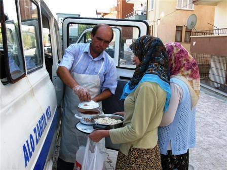 Belediyeden 4000 Kişiye İftar Yemeği