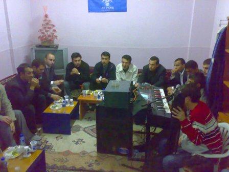 AKP Gençlik Kollarından Sıra gecesi