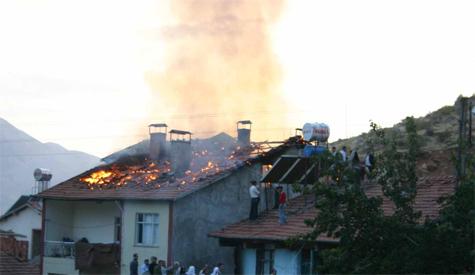 Çubukta Ev Yangını