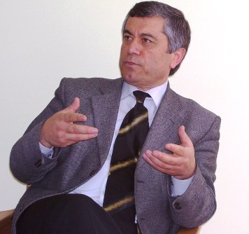 Murat Aslan Ak Partiden aday adayı olduğunu açıkladı